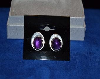 E-025: 3.6g Solid Silver Amethyst Cabochon Bezel Set Sterling Earrings