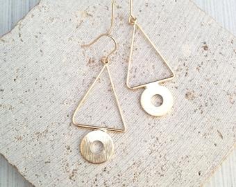 Triangle Dangle Earring,Triangle Earring,Geo Earring,Gold Geo Earring,Gold Triangle Earring,Geo Dangle Earring,Triangle Circle Earring