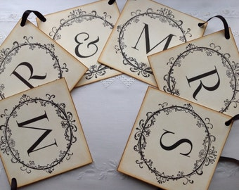 Handmade Mr and Mrs Vintage Style Wedding Banner Garland Bunting Photo Prop