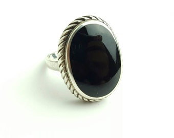 Bold Vintage Sterling Silver and Onyx Ring- Size 8
