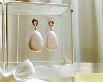 Elegant glass pearl earrings
