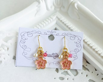 SAKURA Earrings (Pale Pink)