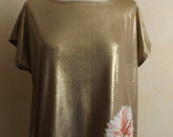 Gilded with the kimono flower T-shirt