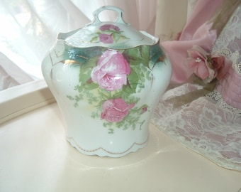 biscuit jar, biscuit barrel, with roses