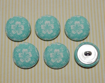 6 White Big Flower Fabric Covered Buttons - Light Blue (30mm) (Metal Shanks, Metal Flatbacks)