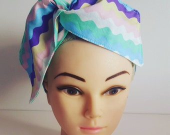 Light Multi Waves Pin Up Hair Tie