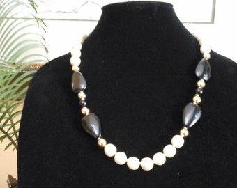 "Vintage 70's Napier Necklace Chunky white pearls/ black beads 23"" classic"