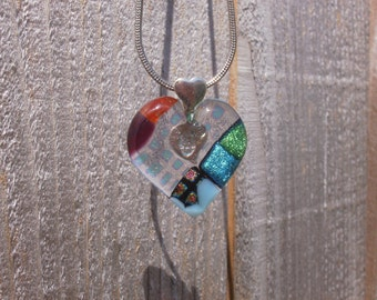 Dichroic blend Heart.with double heart bail.(1063)