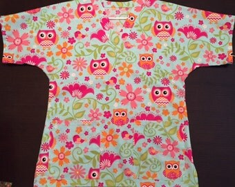 Birds & Owls Scrub Top - Size Small
