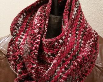 Multicolored medium-length infinite crochet cowl