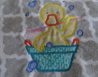 baby hooded bath towel with embroidered duck aplique, toddler hooded bath towel, gender neutral, baby shower