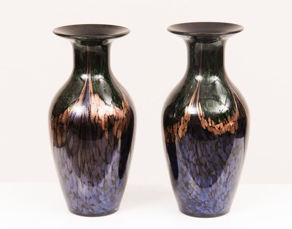 Pair of stunning Murano vase black with multi colrs reflecting