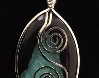 Semi-precious agate necklace pendant