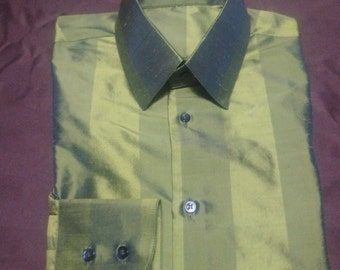 Classic stand up collar 100% silk forest green