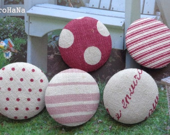 5 Patchwork Buttons 3,4 cm Light Burgundy and Shades Linen Cotton Fabric Covered Buttons Size 54 Handmade