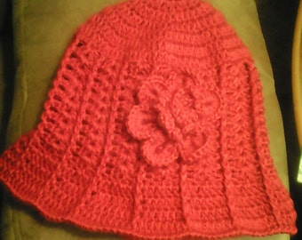 Ladies Ridged Crochet Hat w/Flower