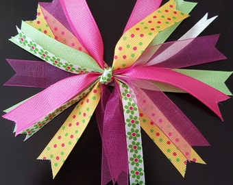 Beautiful spiked bow for girls
