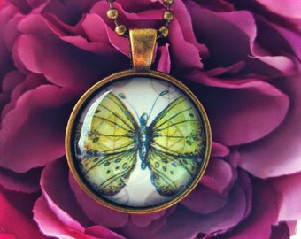 Vintage Inspired Green Butterfly on Leaves Pendant Necklace