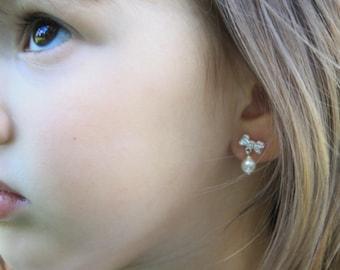 S.Silver/ 14KGold earrings . Children jewelry. Flowergirl Earring. Baptism jewelry. First Communion. Pearl earring for girls. Pearl earring.
