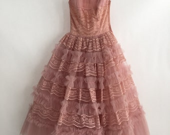 XS Light Pink 1950's Lace and Tulle Ballgown