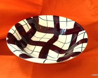 1  Harlequinade Empire Red Bowl (larger than a dessert bowl)