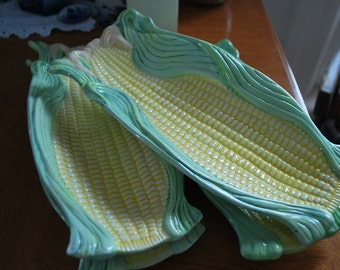 Farmhouse vintage porcelain corn on the cob dishes