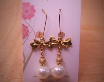 GP Pearl Bow Earrings