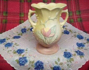 Hull art two handled vase