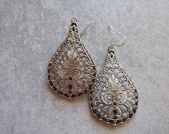 Grey black filigree earrings