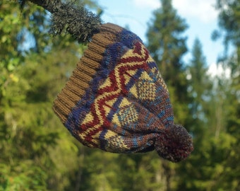 Knitted cap with Norwegian ornament rady to ship!