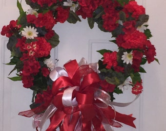 Red and White Geranium Christmas Holiday Wreath