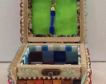 Beaded Jewelry box(cube)