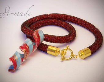 Necklace - Stardust mesh with red seed beads and a lampwork pendant (#259554)