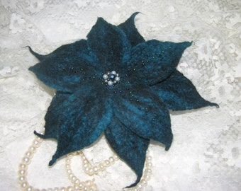 White Lily,Lily of wool,barrette lily for hair,hairpin,dark turquoise flower,hair ornament,barrette felted,Jewellery hair,Handmade Jewellery