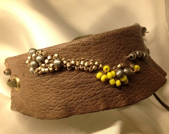 Beads Bracelet light brown leather embroidered