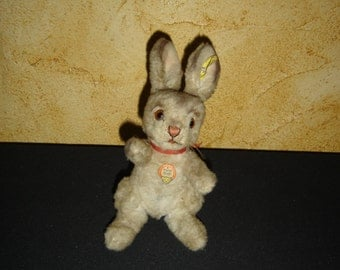 Old plush rabbit Steiff 4617 collection chase. Old toy. France
