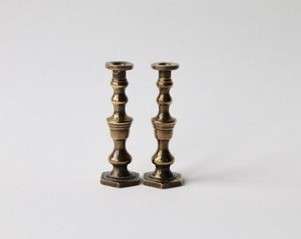 Vintage pair of miniature brass candlesticks. Dolls house candlesticks. Mini candlesticks. Miniature 1950's brass candlesticks.