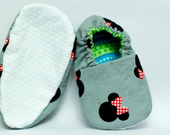 Minnie mouse slippers with grip
