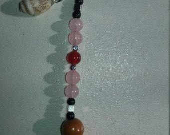 Keyring in pink quartz, Carnelian and brass (lithotherapy)
