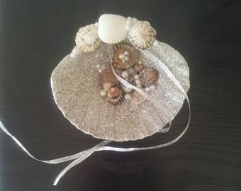 Shell ring holder, Wedding Ring Holder, Seashell Ring Bearer Wedding Ring, Ring Bearer, Beach Wedding, Sea Shell Ring Bearer
