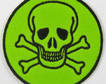 Skull & Cross Bones Symbol/Sign (Green) Iron On/ Sew On Cloth Patch Badge Appliqué cybergoth cyber punk goth rocker emo rave Size: 6.8cm