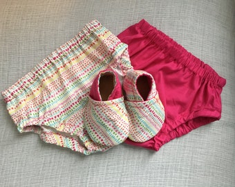 Heart & Lines Baby Booties and Diaper Cover Set