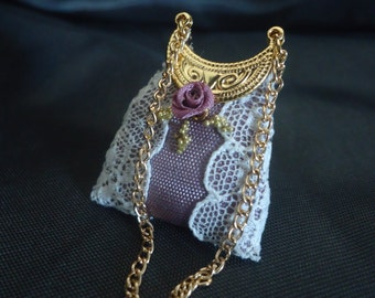 Gorgeous lace purse 1/12th scale.