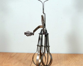 Vintage Egg Beater Rustic Hand Mixer Farmhouse Kitchen Decor Shabby Cottage Kitchen Utensil Primitive Egg Beater