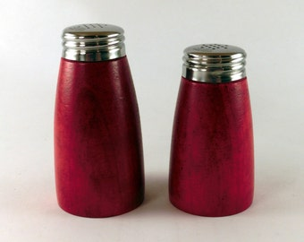 Salt and pepper shakers, red stained wood, Karl Holmberg Götene Sweden, 1960's