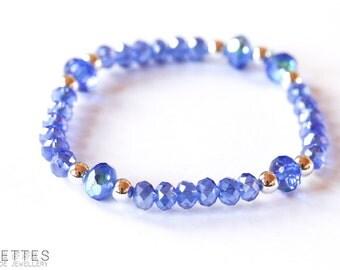 Beaded bracelet, with blue glass beads