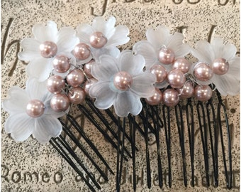 Champagne pearls and flowered combs