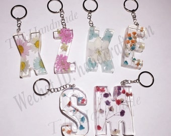 Handmade Initial Pressed Flowers Resin Letter Keychain
