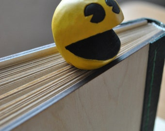 Pacman bookmark, woodend art, gift for him, gift for her, unique gift, original present, gift for friend, pacman gift, pacman toy, pacman