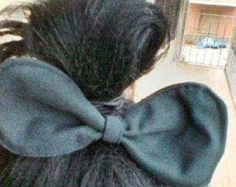 dark grey hair bow
